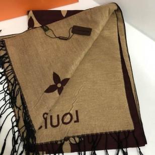 Луксозен шал Louis Vuitton  реплика