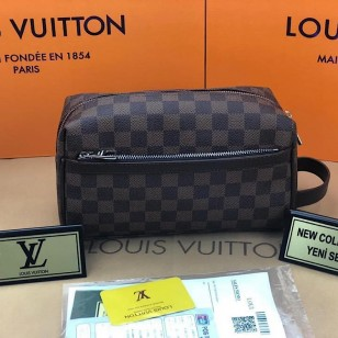 Несесер Louis Vuitton  реплика